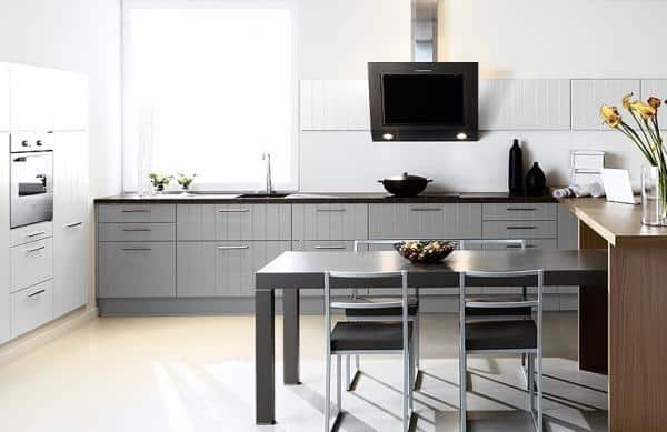 am nager cuisine sans que les agents contr le ne tombent la renverse. Black Bedroom Furniture Sets. Home Design Ideas