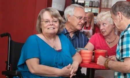 Accessibilité d'un restaurant pour une personne handicapée