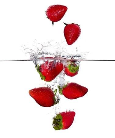 Laver les fruits rouges comme les autres légumes (trempage + eau de javel) ?