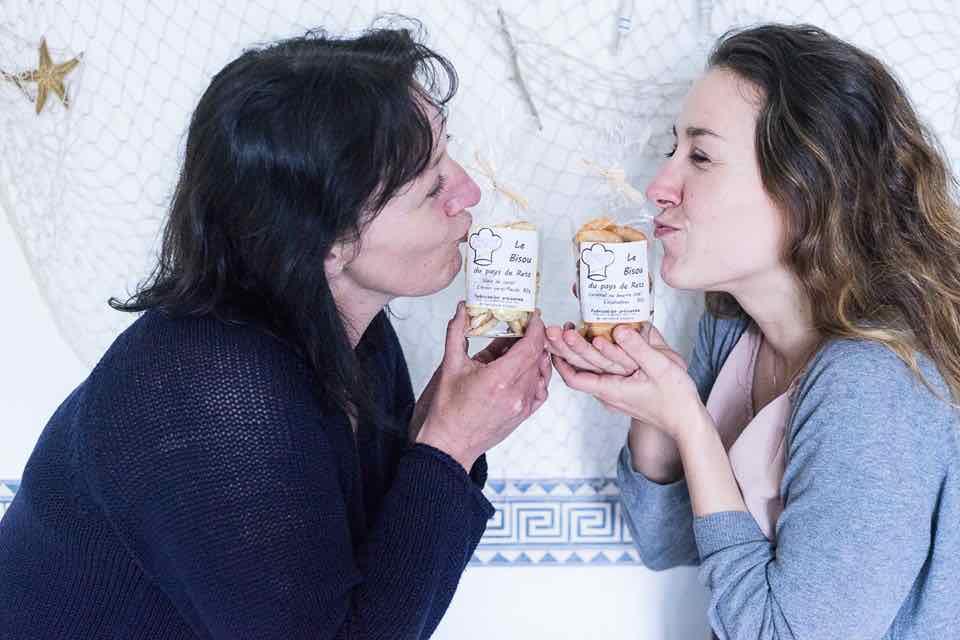 Laëtitia et sa maman ont créé LE bisou